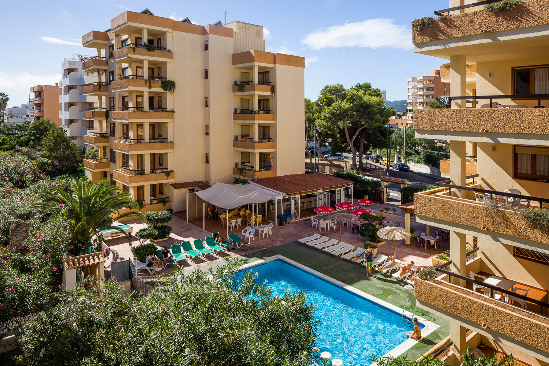Arlanza jet apartments playa d 39 en bossa ibiza ibiza - Hotel el puerto ibiza town ...