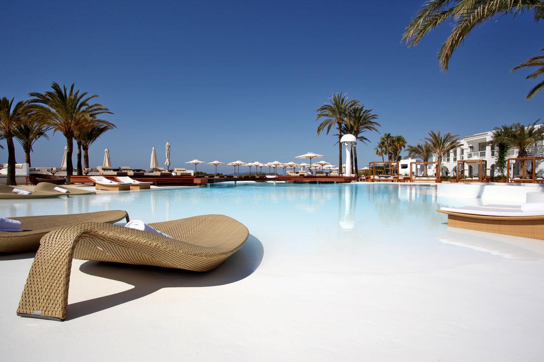 Destino pacha ibiza resort talamanca ibiza ibiza spotlight - Hoteles en ibiza 5 estrellas ...