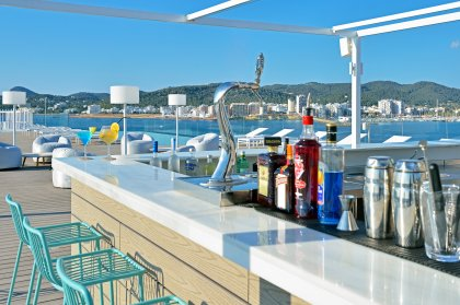 Sol House Ibiza announces daily evening schedule at Rooftop Nine