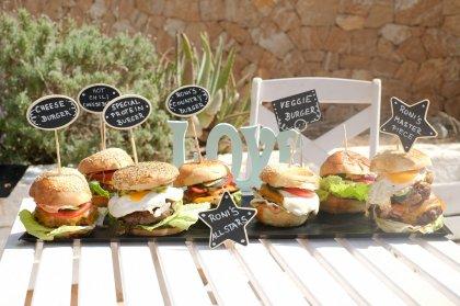 Rona's Deli & Burger