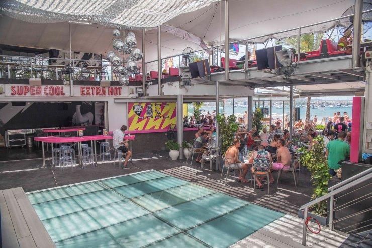 Gay San Antonio Guide Gay Bars Clubs, Hotels, Beaches, Reviews and Maps GayCities San Antonio